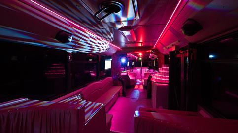 Mercedes_Partybusz-20-50 fő-partybusz_berles
