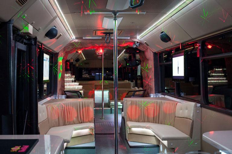 20-50 fős mercedes partybusz belső jellemzők