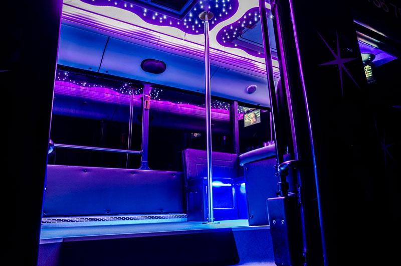5-30 fős neoplan partybusz belső tér